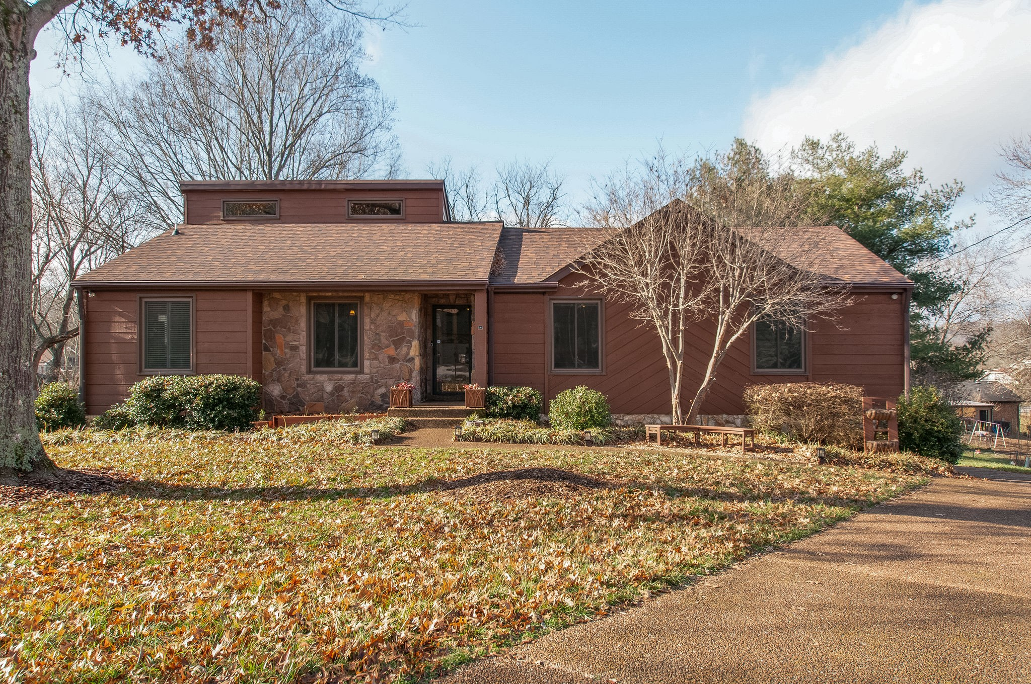 1417 Forest Side Ct